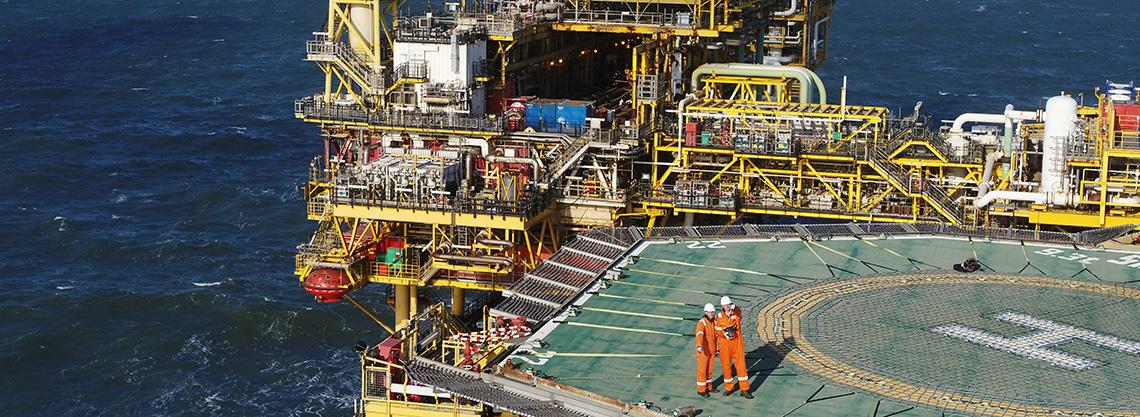 Tim Terra Drone Europe berada di platform produksi minyak dan gas